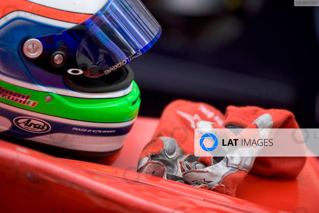 2005 GP2 Series - MonacoMonte-Carlo. 20th & 21st MaySaturday - RaceGianmaria Bruni (I, Coloni Motorsport). Helmet and glovesPhoto: GP2 Series Media Serviceref: Digital Image Only.