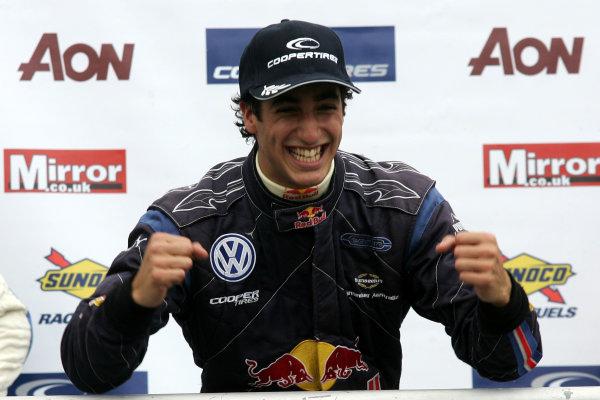 Brands Hatch, Kent. 18th - 20th September 2009.Daniel Ricciardo (AUS) - Carlin Motorsport Dallara Volkswagen.World Copyright: Ebrey/LAT Photographic.