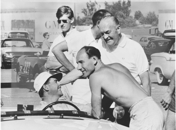 Riverside, California, USA. 15th October 1961.Stirling Moss / Jack Brabham (Sunbeam Alpine), 3rd position, chat in the pits, portrait.World Copyright: LAT PhotographicRef: Autocar Used Pic 27th October 1961 Pg 750.