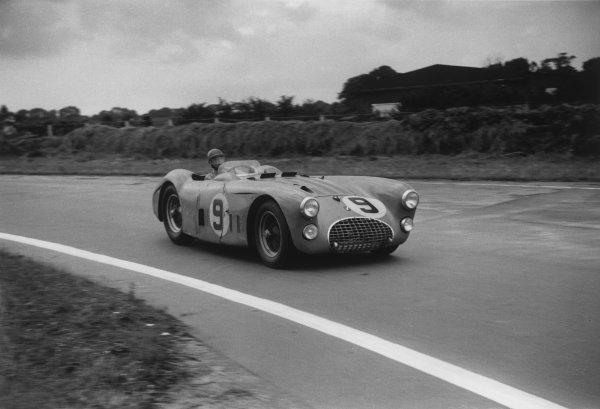 Goodwood, West Sussex, England. 16th August 1952.Pierre Levegh/Philippe Etancelin (Talbot Lago T26GS), retired, action. World Copyright: LAT Photographic.Ref:  52 - 47 - 5A-6.
