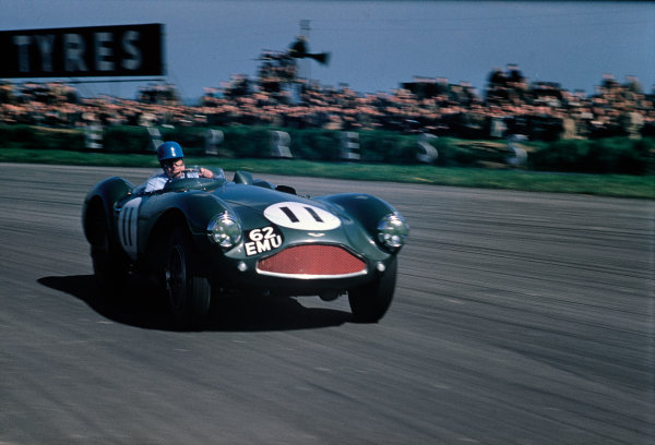 Silverstone, England. 7th May 1955 Reg Parnell (Aston Martin DB3S), 1st position, action. World Copyright: LAT Photographic Ref:  55Sportscars01.