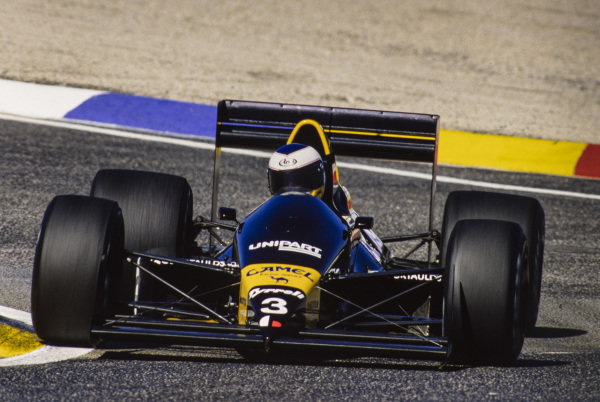 1988 French Grand Prix. Paul Ricard, Le Castellet, France. 1st - 3rd July 1988. Jonathan Palmer (Tyrrell 017-Ford), retired, action.  World Copyright: LAT Photographic.