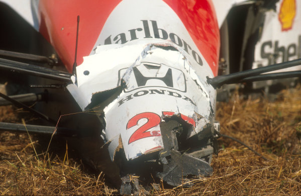1990 Japanese Grand Prix.Suzuka, Japan.19-21 October 1990.The damaged nose of Ayrton Senna's McLaren MP4/5B Honda after the collision at the start. Ref-90 JAP 13.World Copyright - LAT Photographic