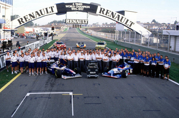 1997 European Grand Prix.Jerez, Spain.24-26 October 1997.Renault, six-times Constructors World Champions, pull out of Formula 1. Jacques Villeneuve would clinch the 1997 World Championship in a Williams FW19 Renault.World Copyright - Elford/LAT Photographic