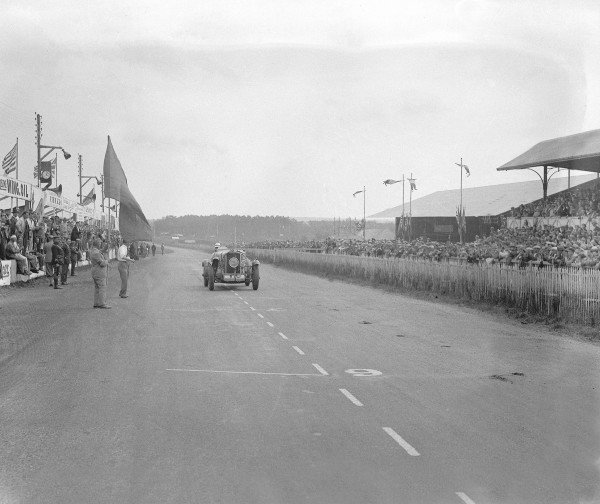 1930 Le Mans 24 hours.Le Mans, France. 21-22 June 1930.John Hindmarsh/Richard (Talbot GB90), 4th position.Ref-Motor 740/3.World Copyright - LAT Photographic